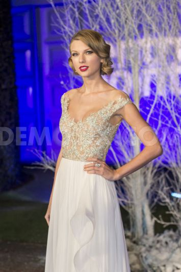 1385546524-celebrities-arrive-for-centrepoints-winter-whites-gala-2013_3348233